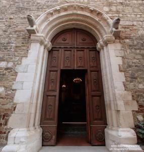 SS.Pietro e Andrea Castelbasso portale