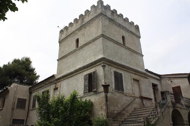 Virgina Franciosi esterno 1